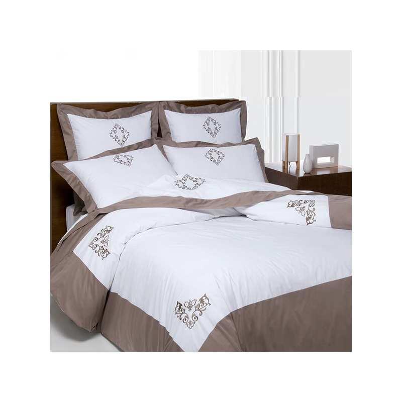 housse de couette versailles taupe 220x240 2 taies 65x65. Black Bedroom Furniture Sets. Home Design Ideas