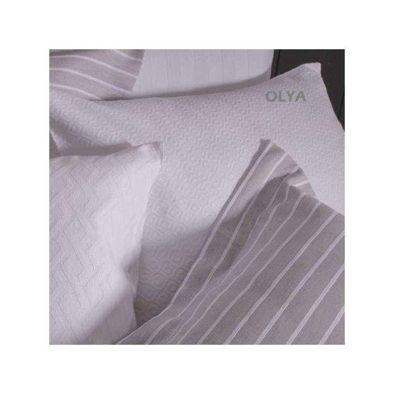 couvre lit piqu de coton olya 230x270 la compagnie du blanc. Black Bedroom Furniture Sets. Home Design Ideas