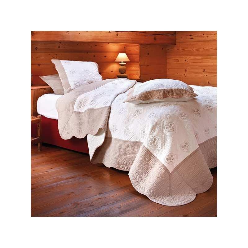 couvre lit boutis la compagnie du blanc. Black Bedroom Furniture Sets. Home Design Ideas