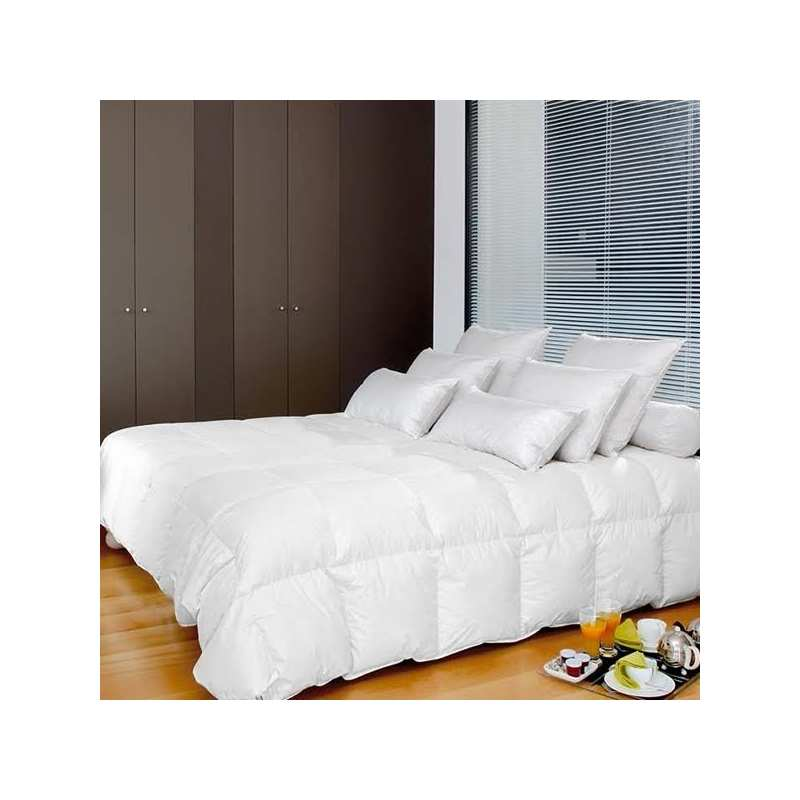 couette duvet d 39 oie blanc neuf pyrenex la compagnie du blanc. Black Bedroom Furniture Sets. Home Design Ideas
