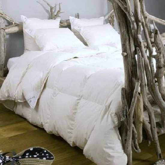 couette naturelle duvet maison design. Black Bedroom Furniture Sets. Home Design Ideas