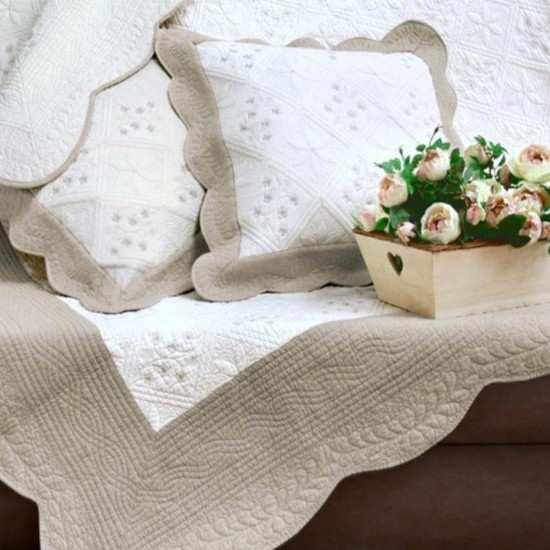 couvertures lit la compagnie du blanc. Black Bedroom Furniture Sets. Home Design Ideas