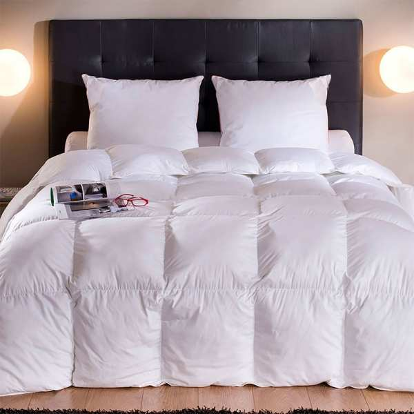 couette en duvet couette duvet d 39 oie drouault. Black Bedroom Furniture Sets. Home Design Ideas