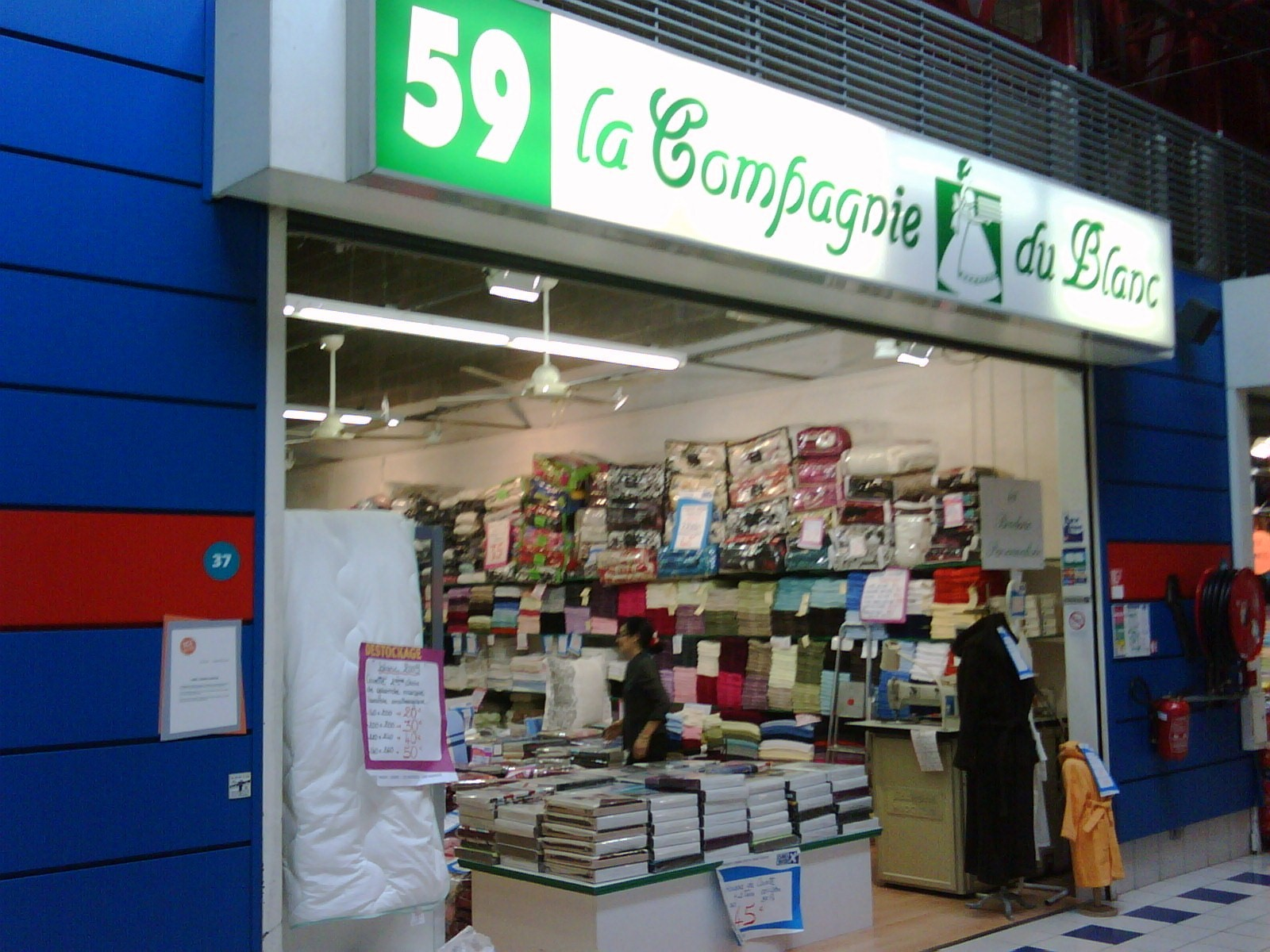 Magasin vaisselle nantes affordable collection canap praia with magasin vaisselle nantes - Mr bricolage nantes ...